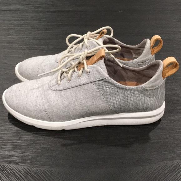 18245e121cc TOMS Women s Cabrillo Sneakers. M 5b69103e4ab6339b391fdbca